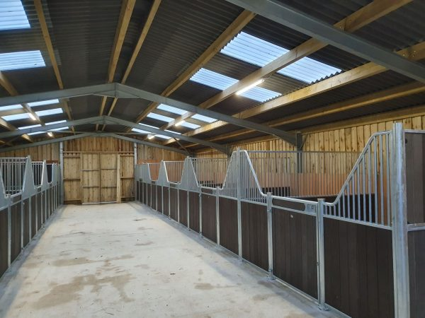 Internal stables - Fontainbleau Brown Resin
