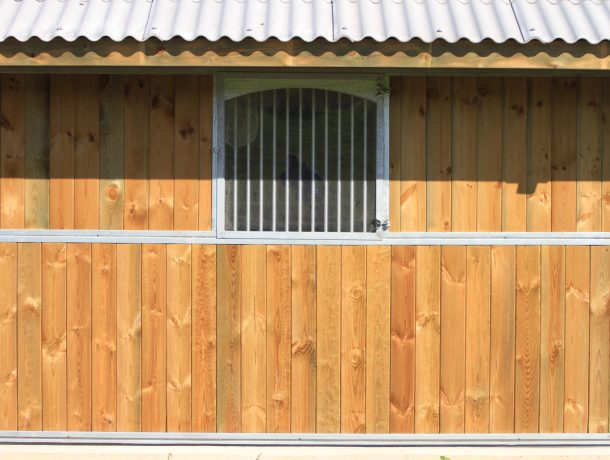 Stable window with bars shut