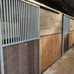 sliding stable door - High bar