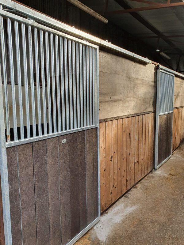 sliding stable door - High bar